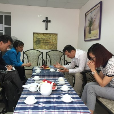 In 2016 IGE CWFL Fellow Chaplain Judy Manala joined the IGE delegation to lecture at our Religion and Rule of Law programing. At a local Evangelical church, she prayed for pastor Bui Quoc Phong.